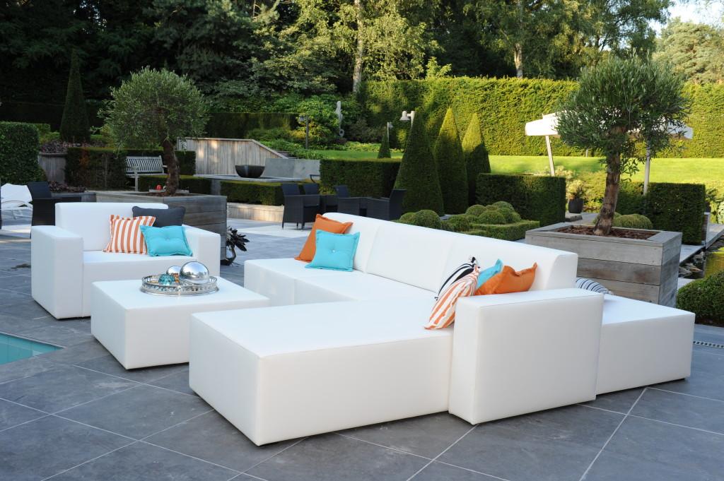 Design Lounge Tuin Bank.Kersvers Terras Vraagt Om Mooie Loungebanken Wonen Tuin